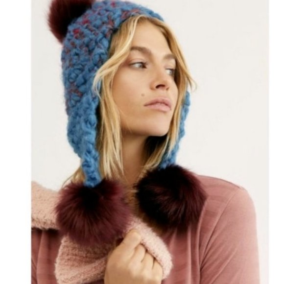 NWT Free People MOROCCAN BLUE COMBO Beanie Hat Pom Pom Knit